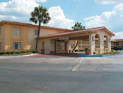 Photo 1 - La Quinta Inn San Antonio South Park