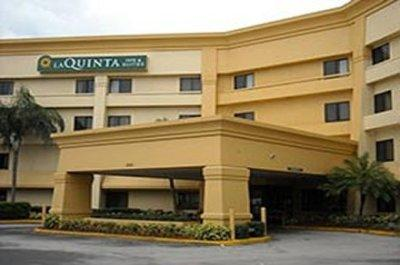 Photo 1 - La Quinta Inn Miami Airport East