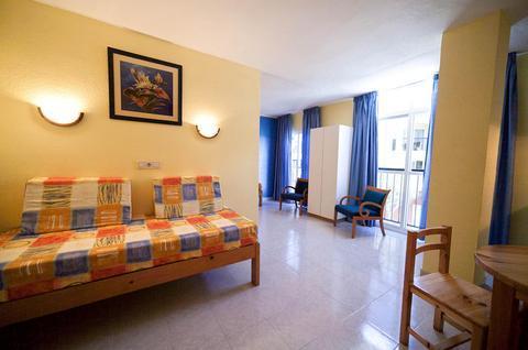 Photo 3 - Apartamentos Formentera 1