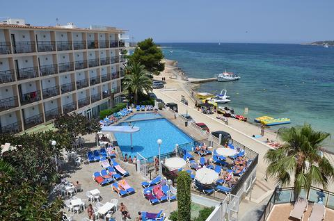 Photo 1 - San Remo Club Hotel