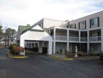 Photo 1 - Days Inn & Suites College Park