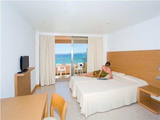 Photo 2 - Apartamentos Pil-lari Playa