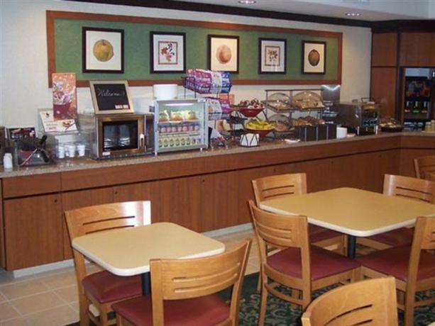 Photo 3 - Fairfield Inn Tucson at Airport
