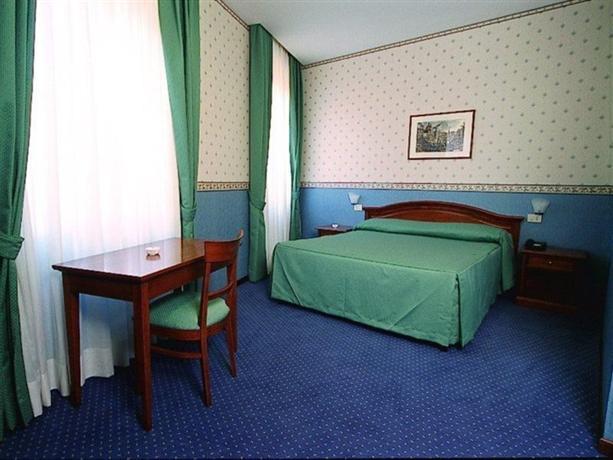 Photo 2 - Adriatic Hotel