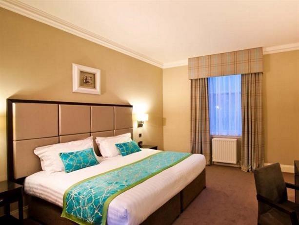 Photo 2 - Edinburgh City Hotel