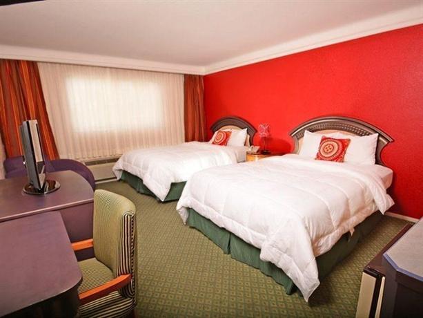 Photo 2 - Fortune Hotel & Suites