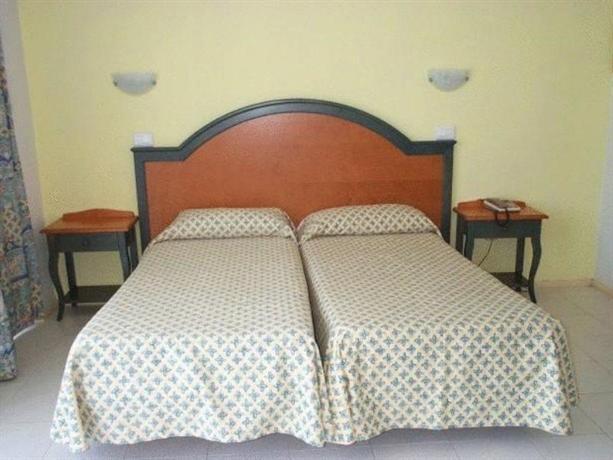 Photo 2 - Hotel Neptuno Ibiza
