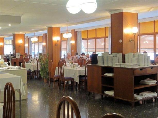 Photo 3 - Abrat Hotel