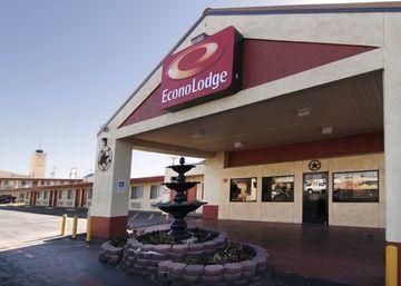 Photo 1 - Econolodge - Lubbock