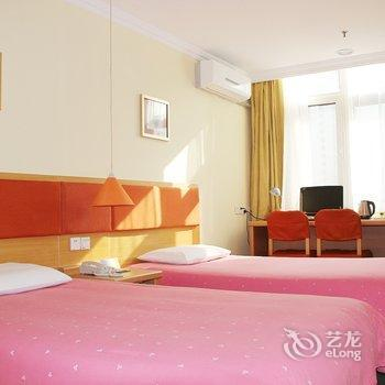 Photo 1 - Home Inn (Qingdao Shandong Road)