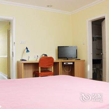 Photo 3 - Home Inn (Qingdao Shandong Road)