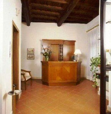Photo 3 - Hotel Teatro Di Pompeo