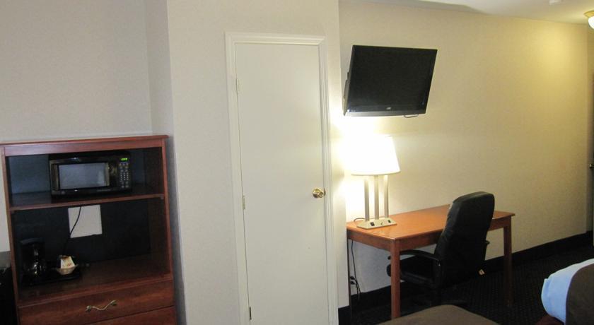 Photo 3 - City View Inn