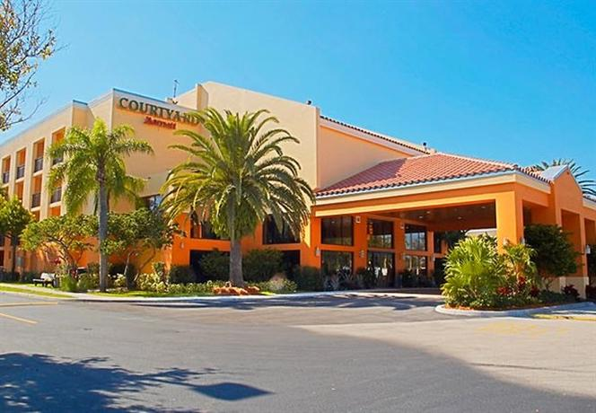 Photo 1 - Courtyard by Marriott Boynton Beach