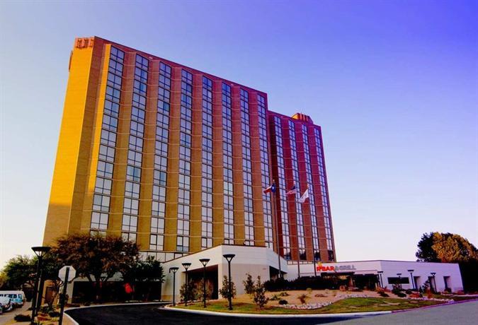 Photo 1 - Hilton Hotel Arlington (Texas)