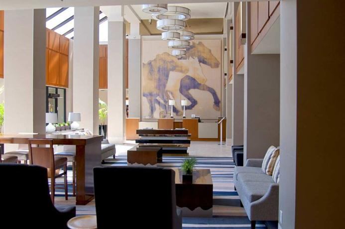 Photo 2 - Hilton Hotel Arlington (Texas)