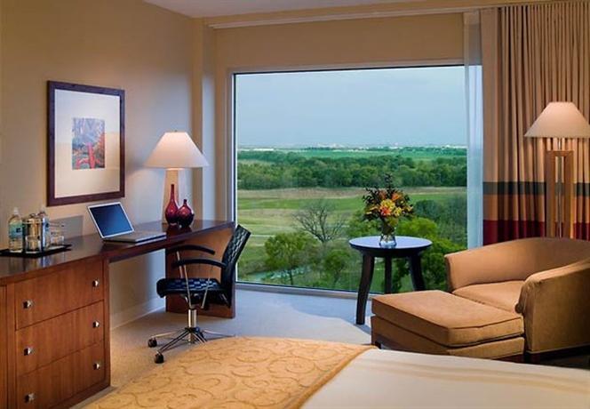 Photo 2 - Marriott Hotel & Golf Club at Champions Circle