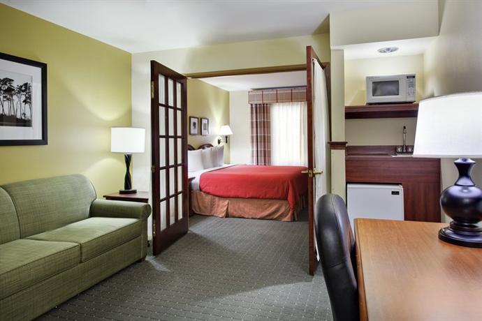Photo 2 - Country Inn & Suites Omaha Airport Carter Lake