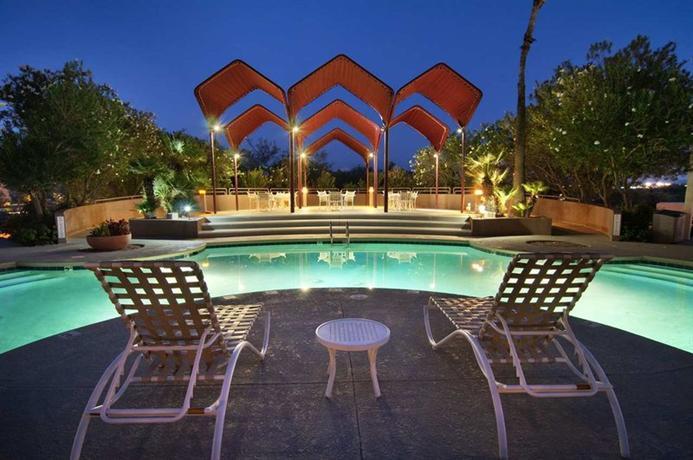 Photo 2 - Hilton Tucson East