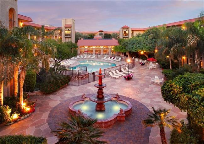 Photo 1 - Chaparral Suites Scottsdale