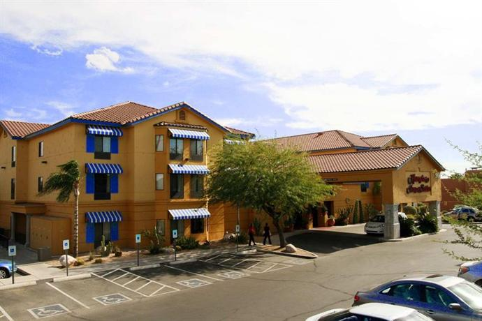 Photo 1 - Hampton Inn and Suites Tucson-Mall