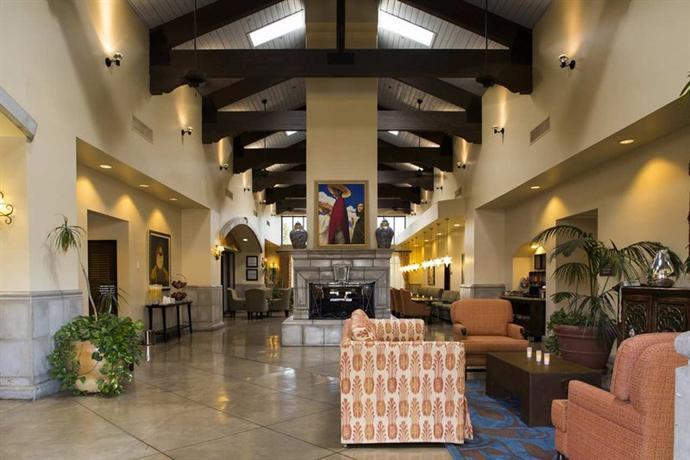 Photo 3 - Hampton Inn and Suites Tucson-Mall