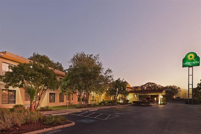 Photo 2 - La Quinta Inn Austin Oltorf