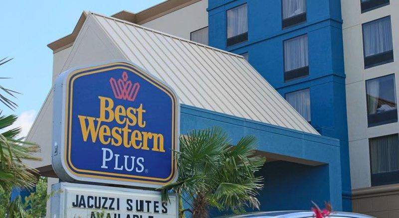 Photo 2 - BEST WESTERN PLUS Hotel & Suites Airport South