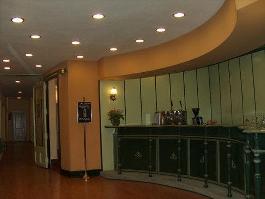 Photo 3 - Madrid Hotel