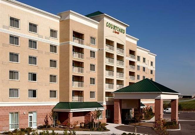 Photo 1 - Courtyard by Marriott Toronto Mississauga/Meadowvale