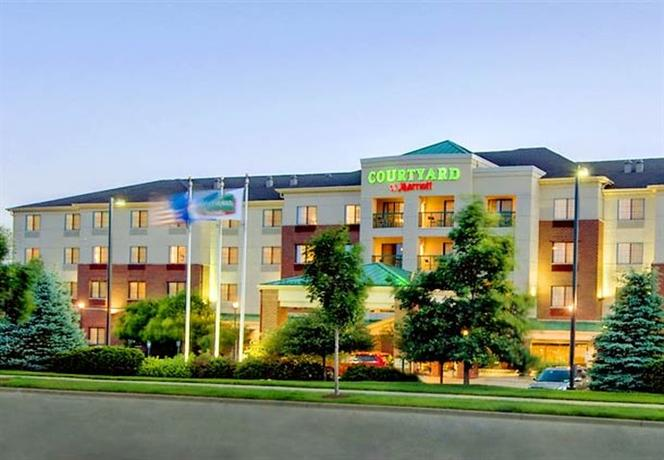 Photo 1 - Courtyard by Marriott Madison East