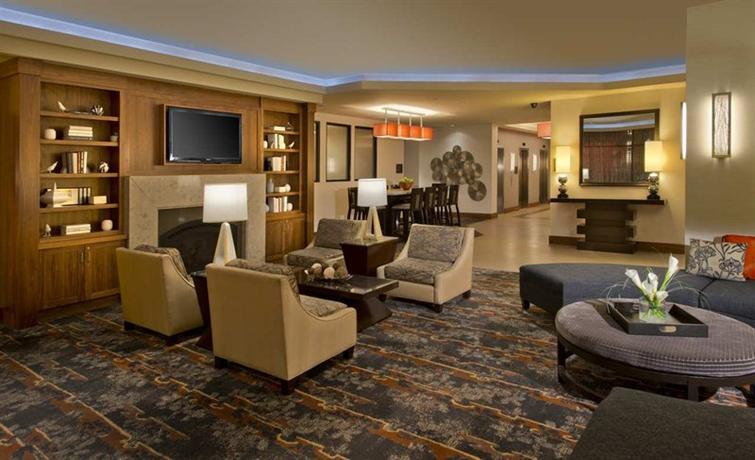 Photo 2 - DoubleTree Suites by Hilton Minneapolis