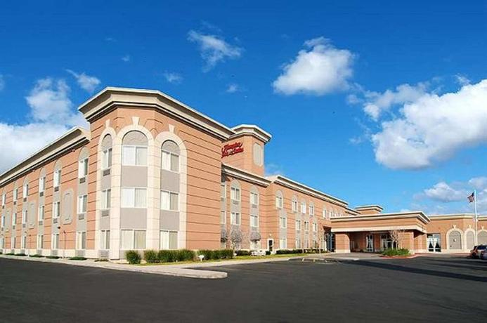 Photo 2 - Hampton Inn & Suites Salt Lake City Airport