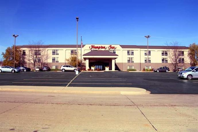 Photo 1 - Hampton Inn Cedar Rapids