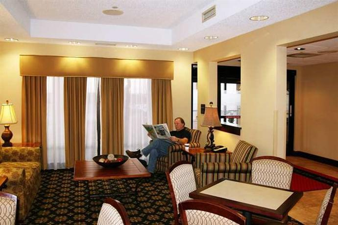 Photo 3 - Hampton Inn Cedar Rapids