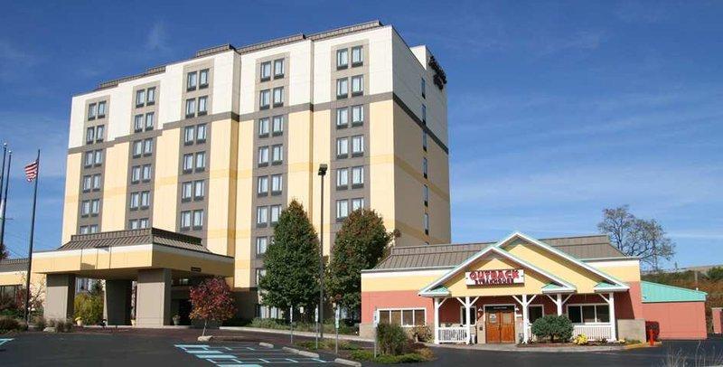 Photo 2 - Hampton Inn Pittsburgh Monroeville