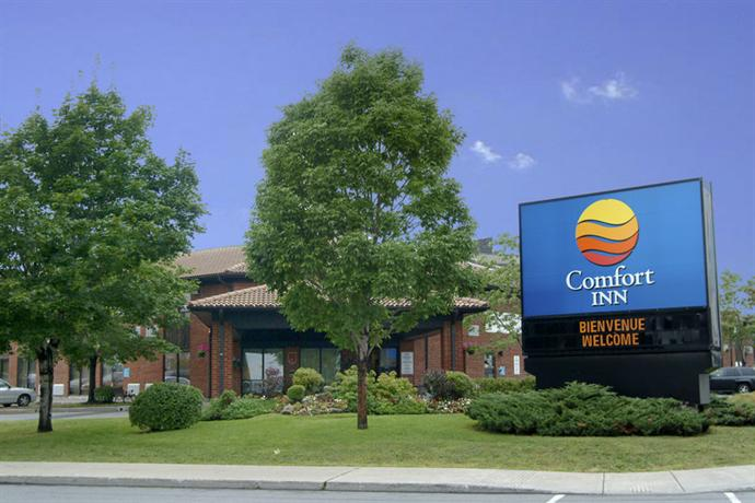 Photo 1 - Comfort Inn Montreal Airport
