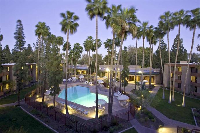 Photo 1 - DoubleTree by Hilton Phoenix- Tempe