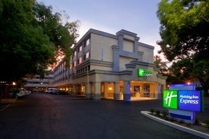 Photo 1 - Holiday Inn Express Sacramento Convention Center