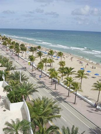 Photo 3 - Bahia Mar Fort Lauderdale Beach - a Doubletree by Hilton Hotel
