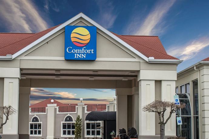 Photo 1 - Comfort Inn Sandusky