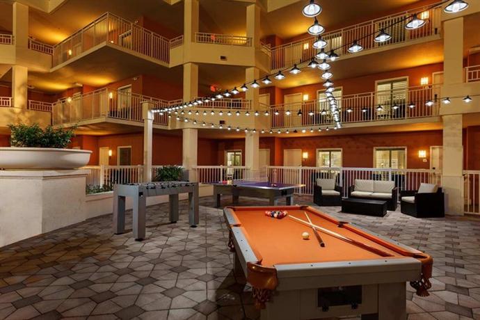 Photo 2 - Embassy Suites Orlando - Lake Buena Vista Resort