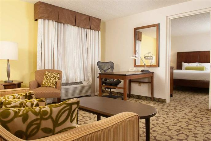 Photo 3 - Hilton Garden Inn Orlando Airport
