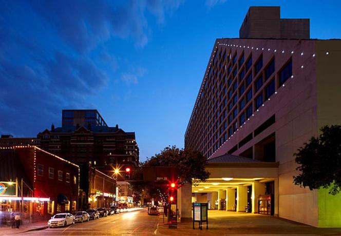 Photo 2 - Renaissance Worthington Hotel Fort Worth