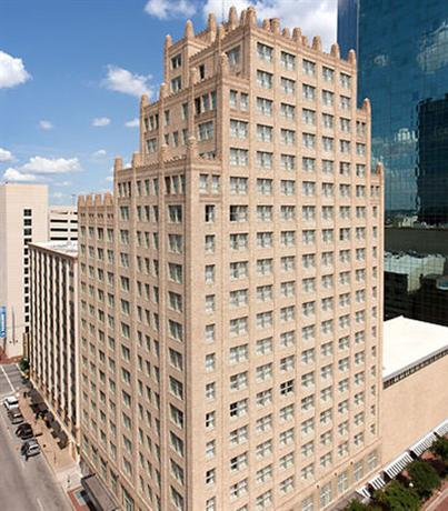 Photo 1 - Courtyard by Marriott Fort Worth Downtown/Blackstone