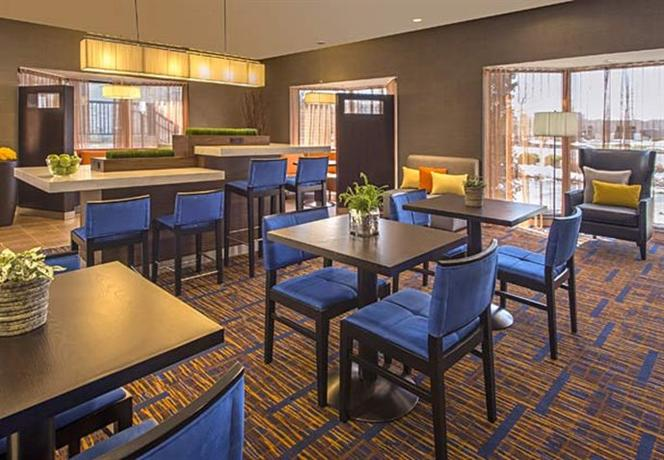 Photo 3 - Courtyard by Marriott Cleveland Beachwood