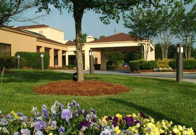 Photo 1 - Courtyard by Marriott Greenville Haywood Mall