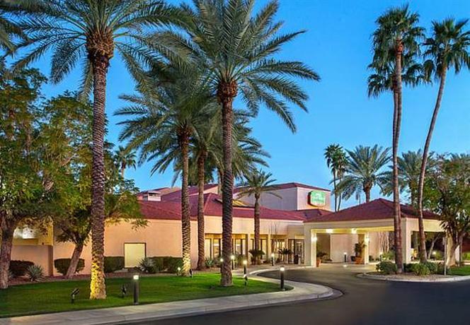 Photo 1 - Courtyard by Marriott Phoenix North