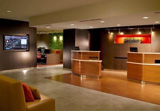 Photo 2 - Courtyard by Marriott Birmingham Homewood