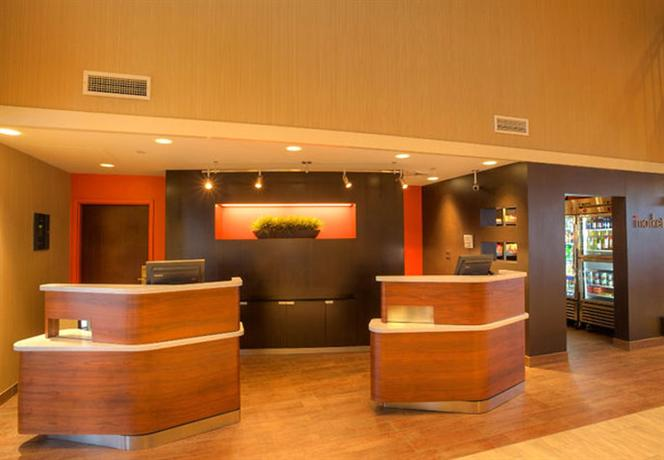 Photo 2 - Courtyard by Marriott Springfield Airport